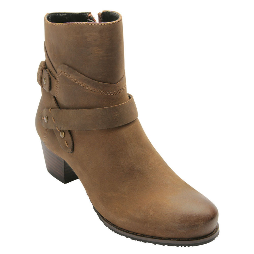 Ros Hommerson Brittany Women's Tan Boot 9 N