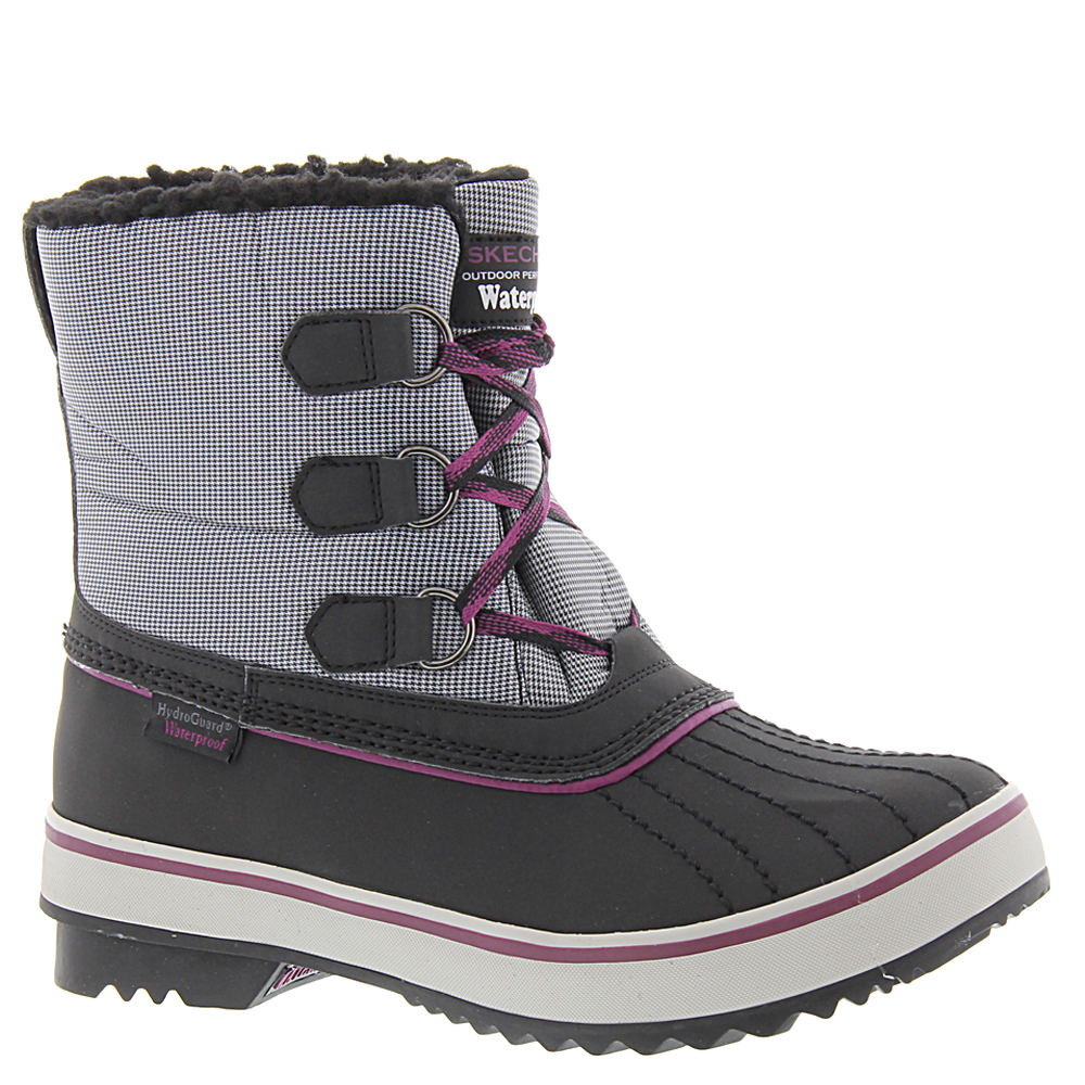 Skechers USA Highlanders-Polar Bear Women's Black Boot 6.5 M