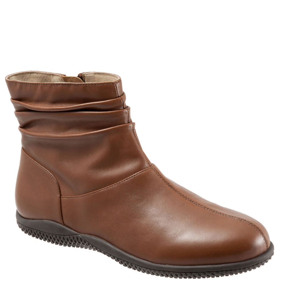 SoftWalk Hanover Women's Brown Boot 6 W