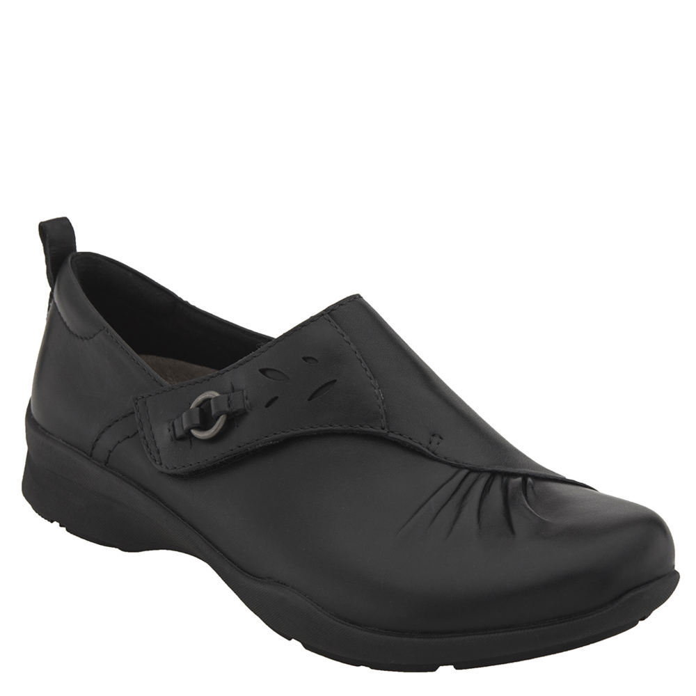 Earth Amity Women's Black Slip On 6 D 550280BLK060D
