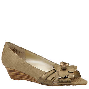 AK Anne Klein Women's Boone Pump