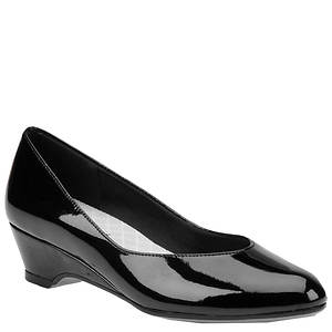 Easy Street Women's Regal Pump