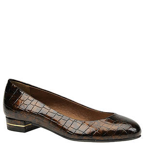 Easy Street Women's Golden Pump