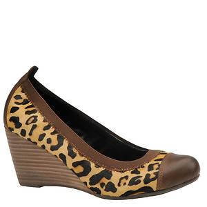 Nicole Women's Nook Pump