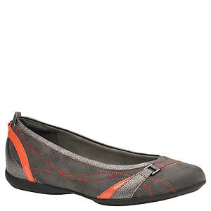 Clarks Women's Pursuit Life Privo Flat