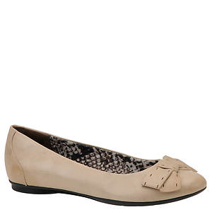 Clarks Women's Poem Court Flat