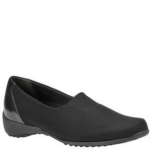 Munro American Women's Traveler Slip-On