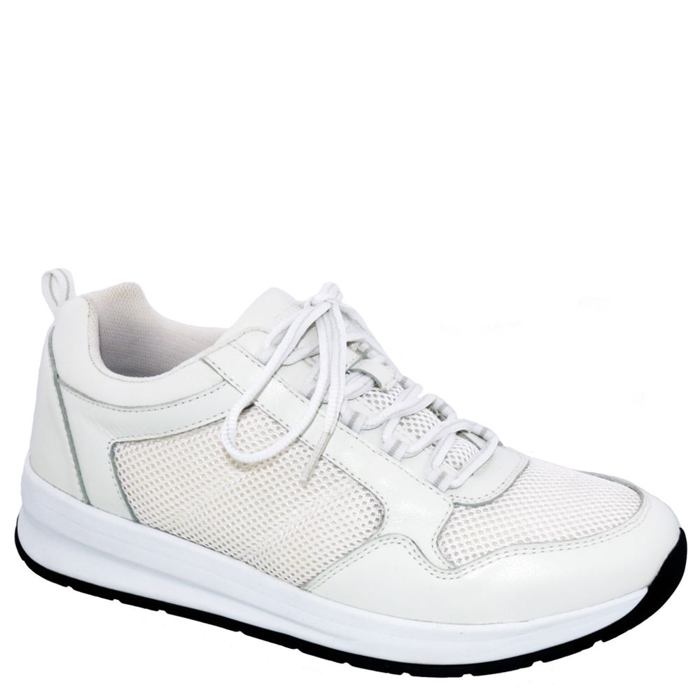 *Tackle your fitness with this feature-packed and hardworking athletic shoe *Leather upper with lace-up closure and back heel pull *Drilex® lining with AEGIS Microbe Shield™ for odor and stain control *Two removable footbeds with added and double depth accommodate prescribed orthotics *Removable ULTRON® footbed with heel cushion and maximum built-up arch *Plus Fitting System® *EVA wedge midsole *Extended medial heel stabilizer *Built-in wide synthetic fiber shank