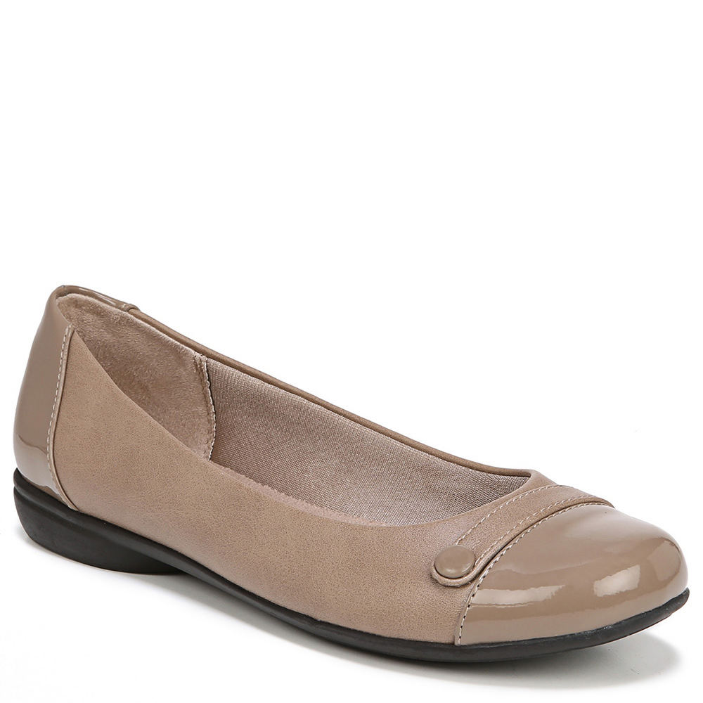 *This chic and comfortable flat makes being on-the-go easy *Synthetic upper *Simply Comfort® insole *7/8\\\