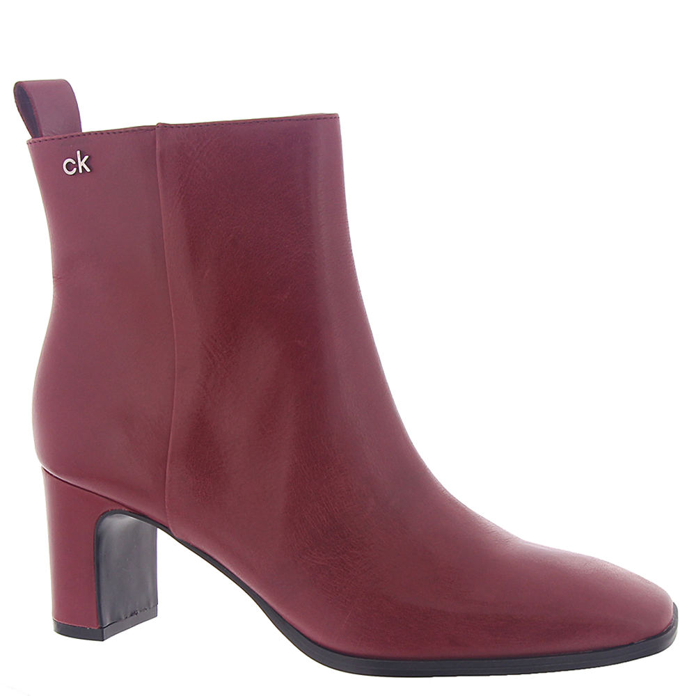 *This chic versatile ankle boot is perfect for the office or out and about *Leather upper with brand logo plaque accent *5\