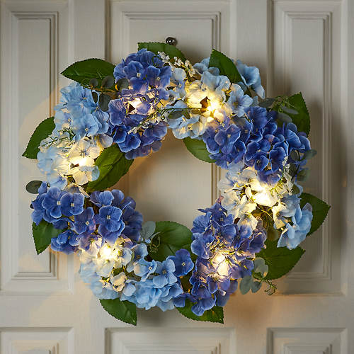 Lighted Indoor/Outdoor Flower Wreath