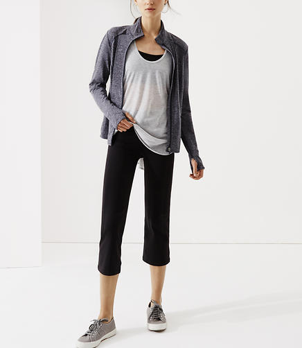 Image of Lou & Grey Form Kick Cropped Leggings