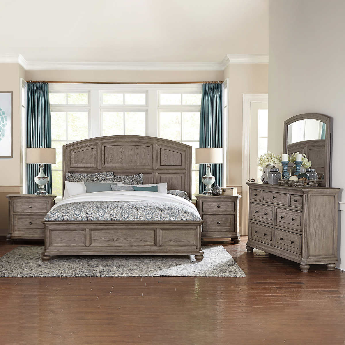 Lavonia 9-piece King Bedroom Set