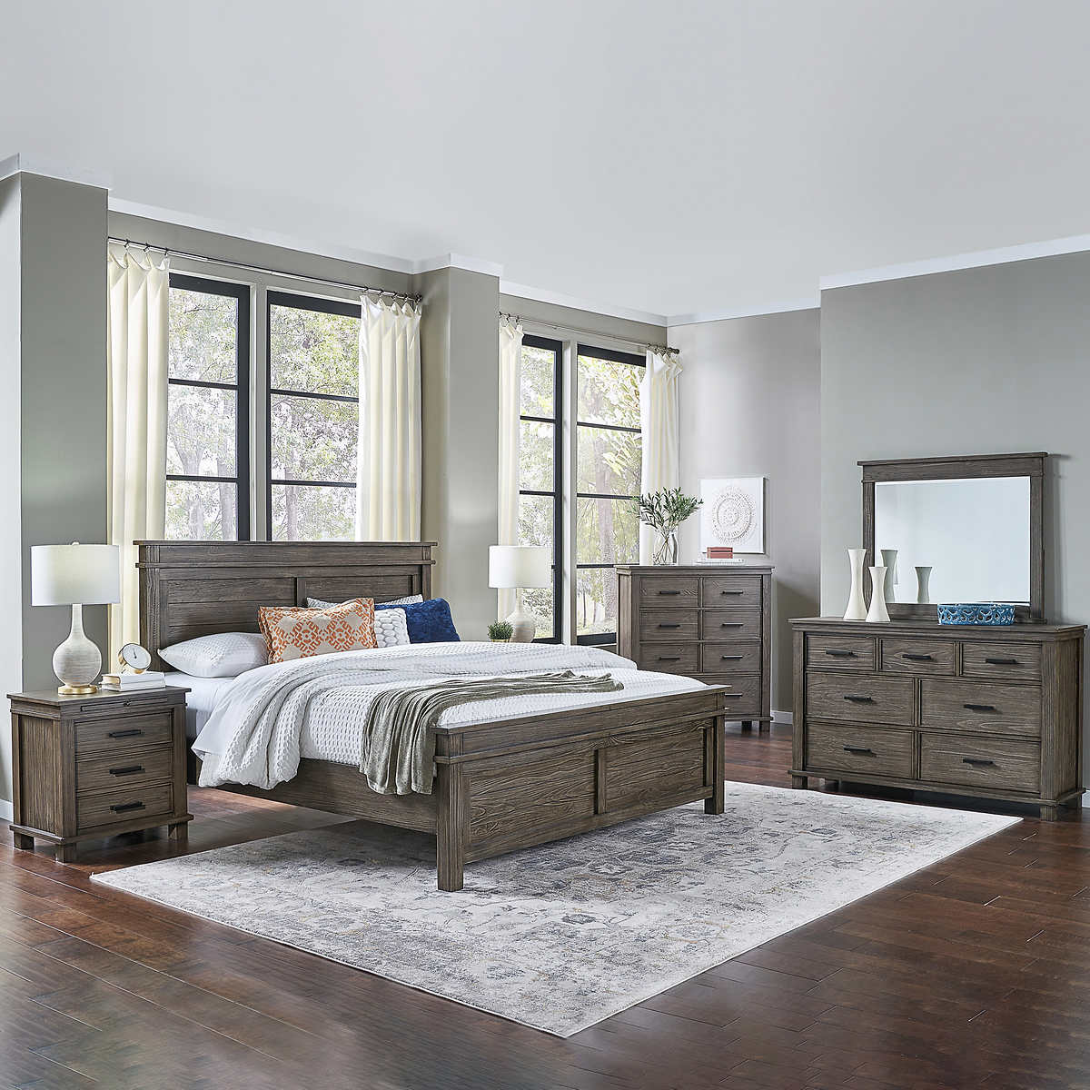 Collins II 9-piece King Bedroom Set