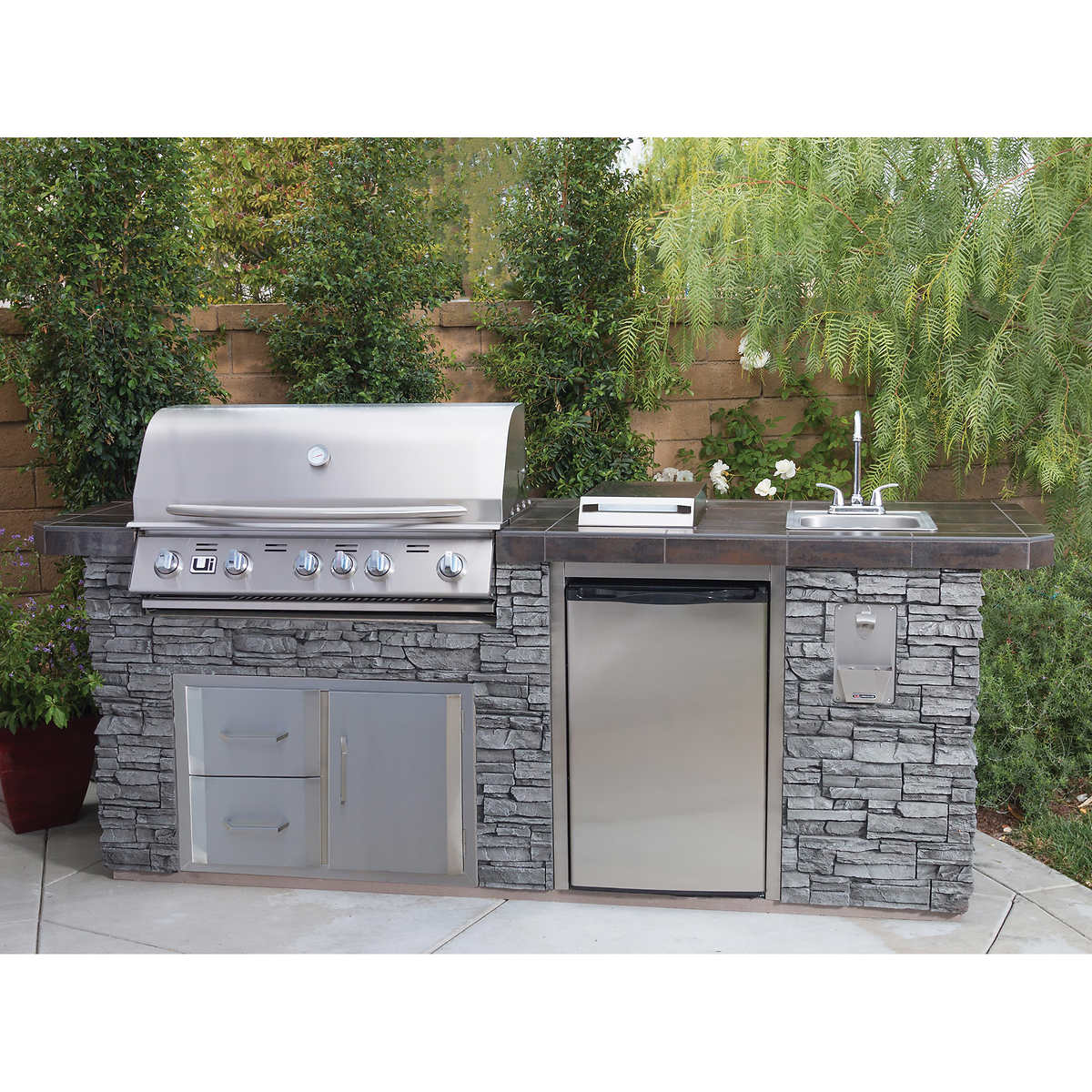 Deluxe Outdoor Patio BBQ Grill Island Propane 5-Burner ... on Backyard Patio Grill Island id=43034