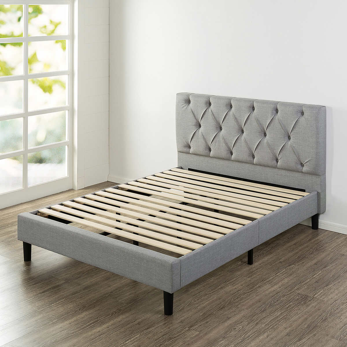 Blackstone Grand Upholstered Diamond Tufted Platform Bed Full