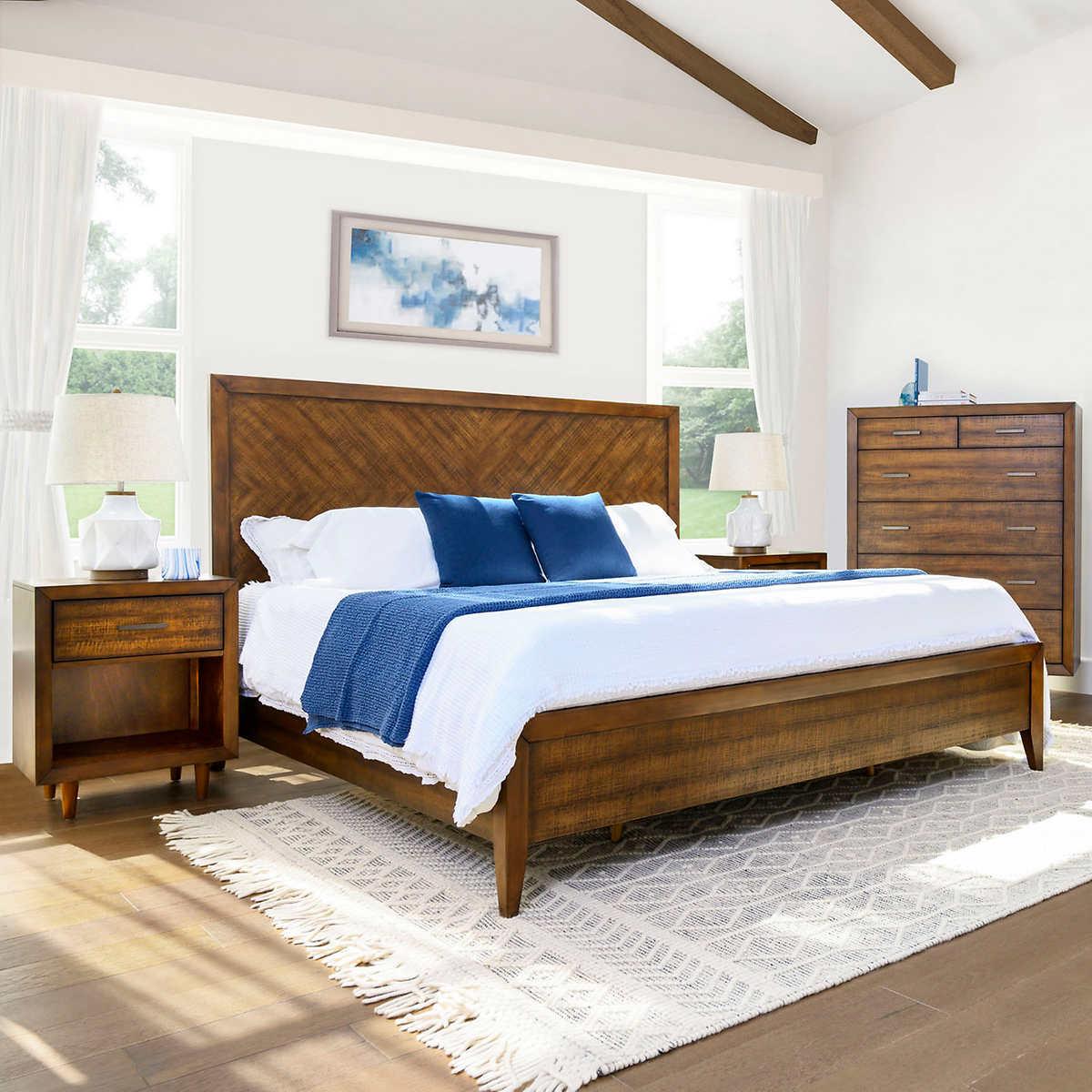 Hendrick 4 Piece Queen Bedroom Set