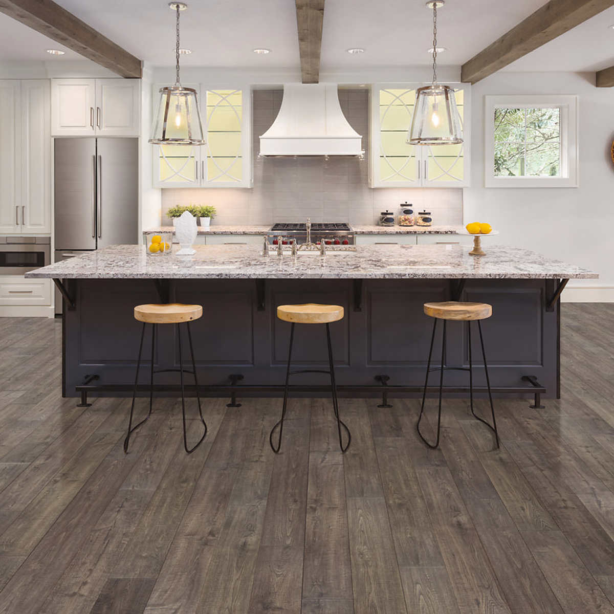 Mohawk Home Southbridge Scraped Oak 10mm Thick Laminate Flooring With Splashdefense Technology 2mm Pad Attached