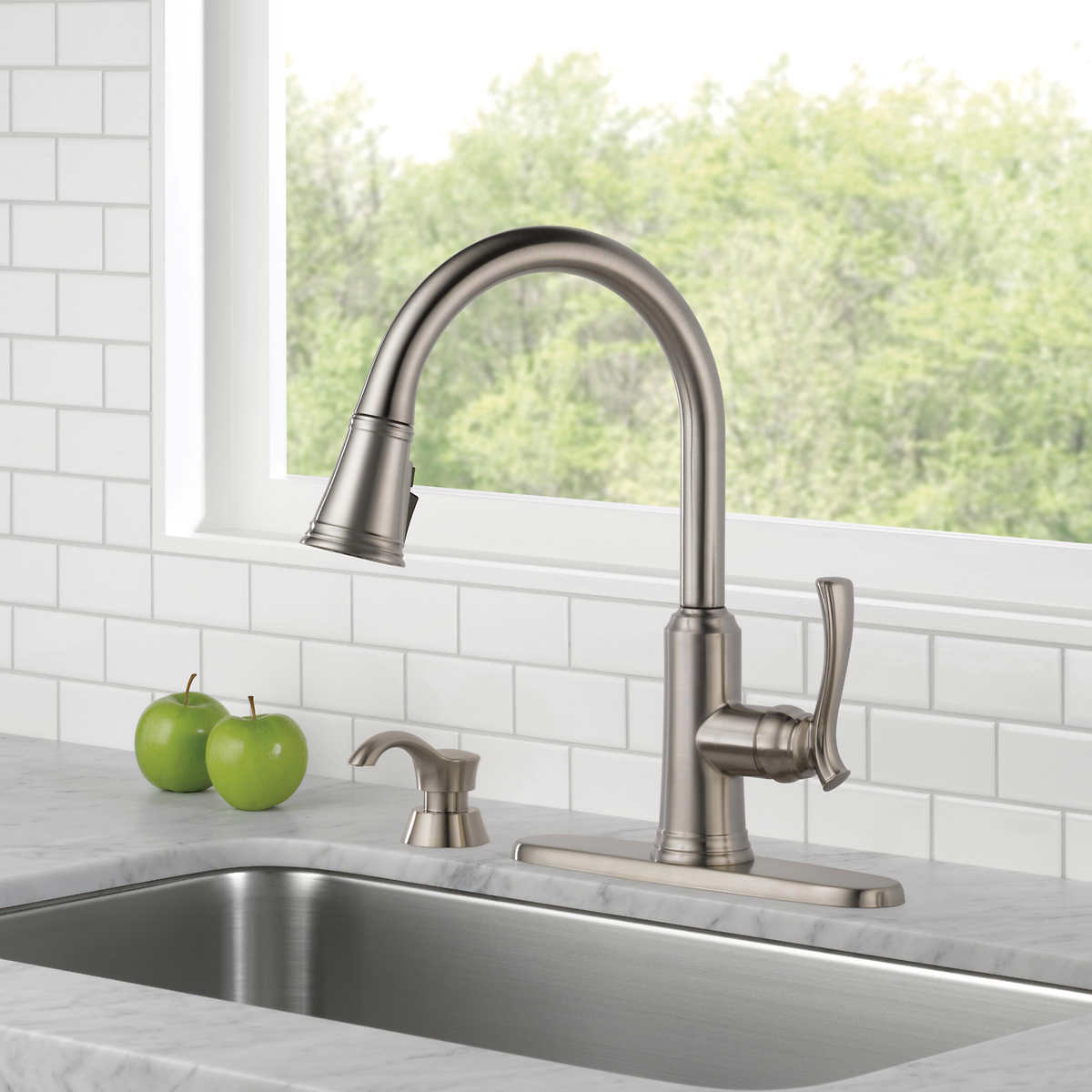 Delta Lakeview Single Handle Pull Down Sprayer Kitchen Faucet Costco