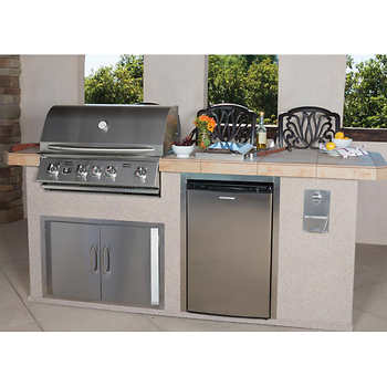 Urban Islands 4 Burner 8 39 Outdoor Kitchen Island By Bull Outdoor Products