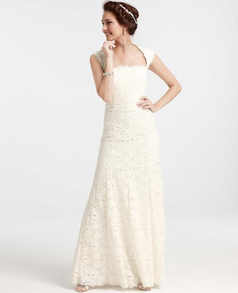 Petite Isabella Lace Wedding Dress