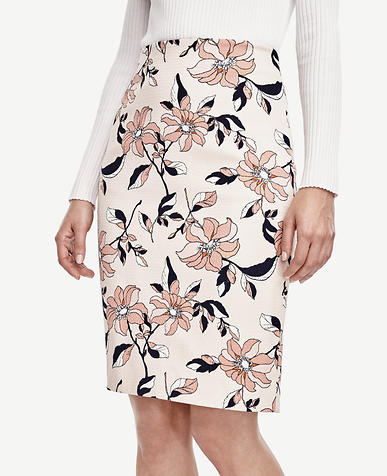 Image of Curvy Hibiscus Pencil Skirt