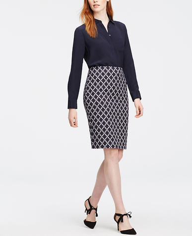 Image of Curvy Tile Jacquard Pencil Skirt