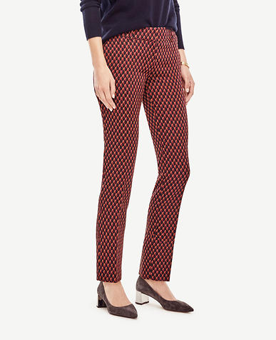 Image of Devin Scalloped Jacquard Everyday Ankle Pants