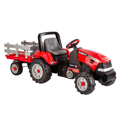 Peg Perego Case IH Magnum Tractor with Extra-Large Trailer