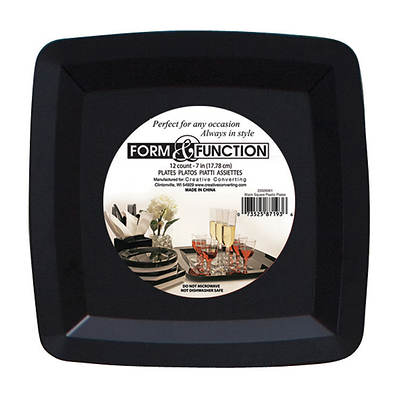 form function square premium plastic dinner plate 48 count black