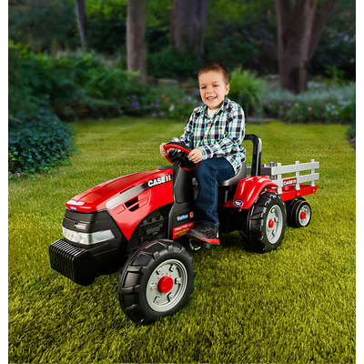 Peg Perego Case IH All-Terrain Chain Drive/Pedal Tractor with Extra Large Stake-Side Trailer