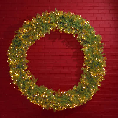 "72"" Pre-Lit Norwood Fir Christmas Wreath - Clear"