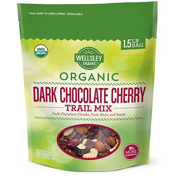 Wellsley Farms Organic Dark Chocolate Cherry Trail Mix, 1.5 lbs.