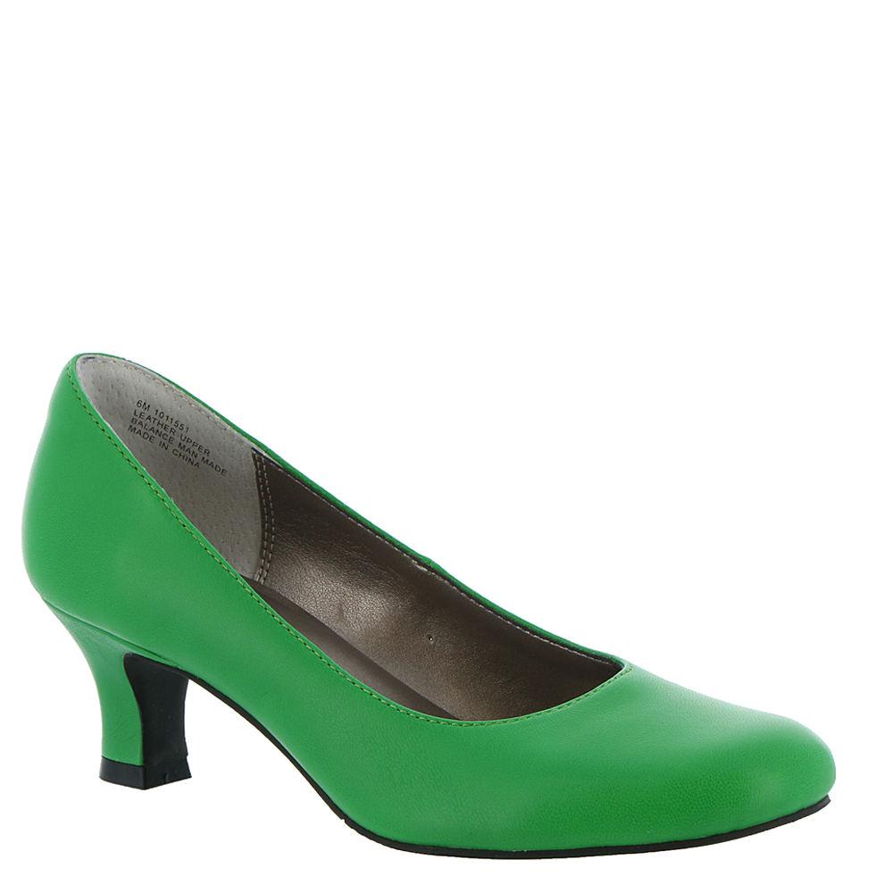 60s Shoes, Go Go Boots   1960s Shoes ARRAY FLATTER Womens Green Pump 9.5 W $79.95 AT vintagedancer.com