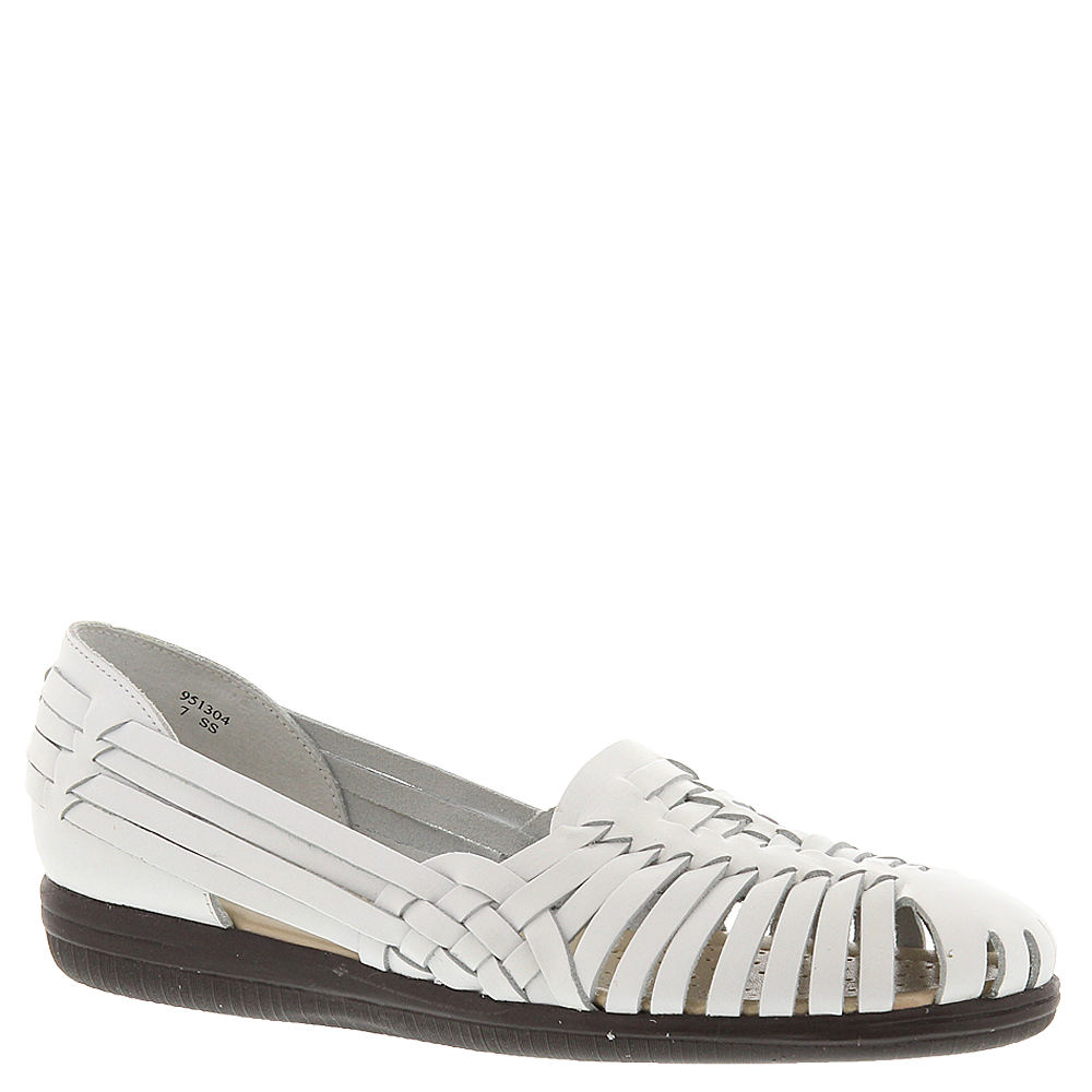 Saddle Shoes History Softspots Trinidad Womens White Sandal 10 N $59.95 AT vintagedancer.com