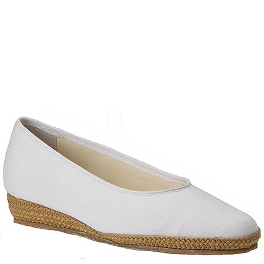 1940s Style Shoes, 40s Shoes, Heels, Boots Beacon Womens Phoenix Slip-On White Slip On 6.5 M $49.95 AT vintagedancer.com