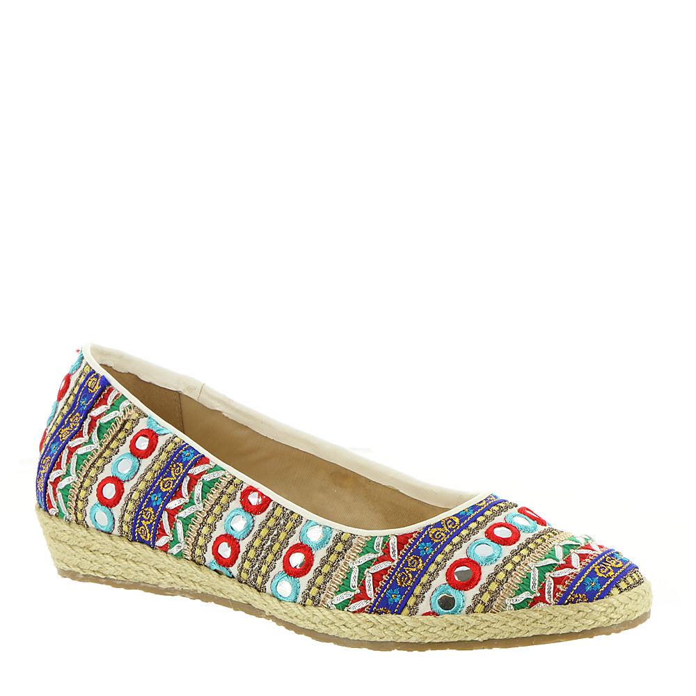 Retro Vintage Flats and Low Heel Shoes Beacon Womens Phoenix Slip-On White Slip On 9 S2 $39.95 AT vintagedancer.com