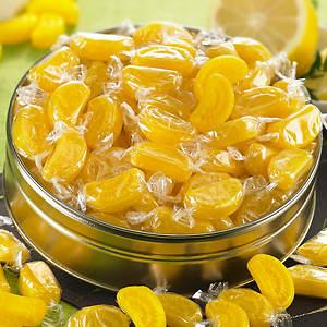 Sweet Cravings Snack Tins - Sour Lemon Slices