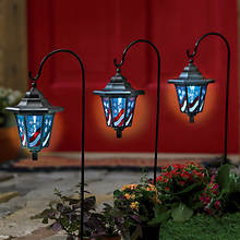 Solar Patriotic Garden Light