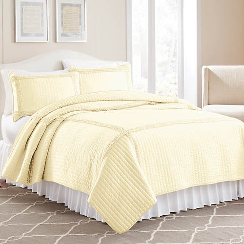 Ruffled Square Quilt Set