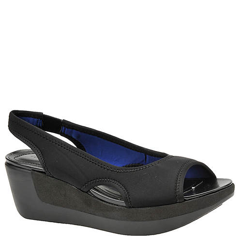 Kenneth Cole Reaction Pepea Play (Women's)