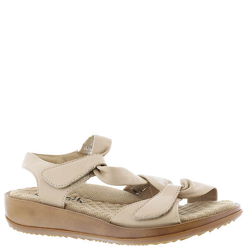 Soft Walk Del Rey (Women's)