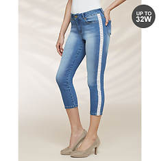 Women's Crochet-Trimmed Denim Capris