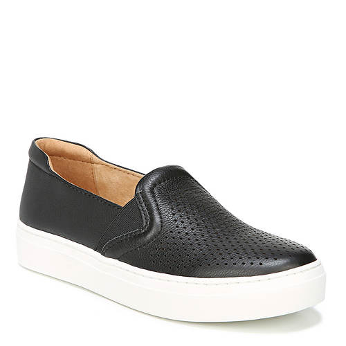 Naturalizer Carly Sneaker (Women's)