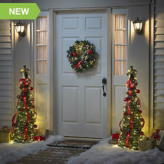 Lighted Decorated Wreath
