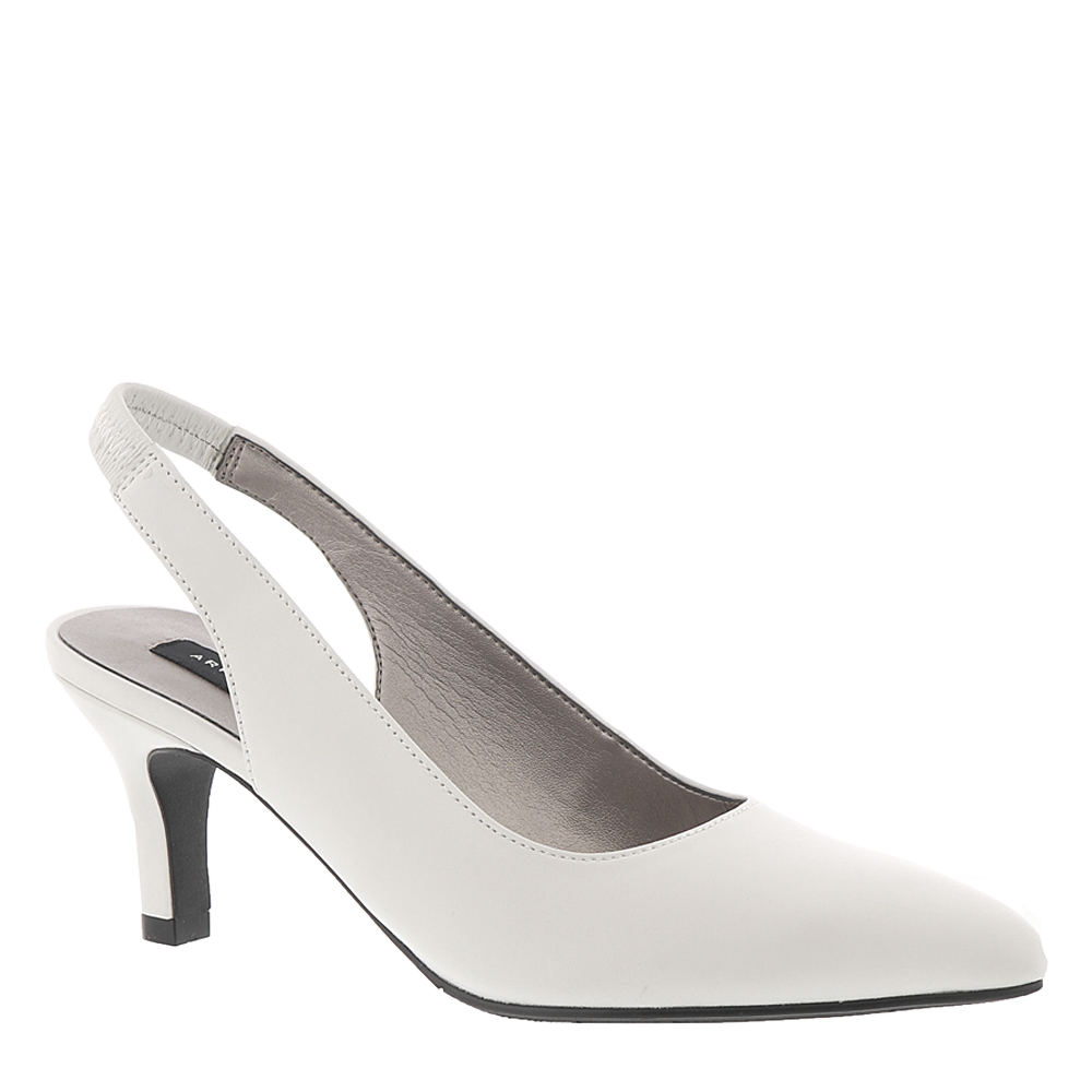 60s Shoes, Go Go Boots   1960s Shoes ARRAY Royal Womens White Pump 6 W $89.95 AT vintagedancer.com