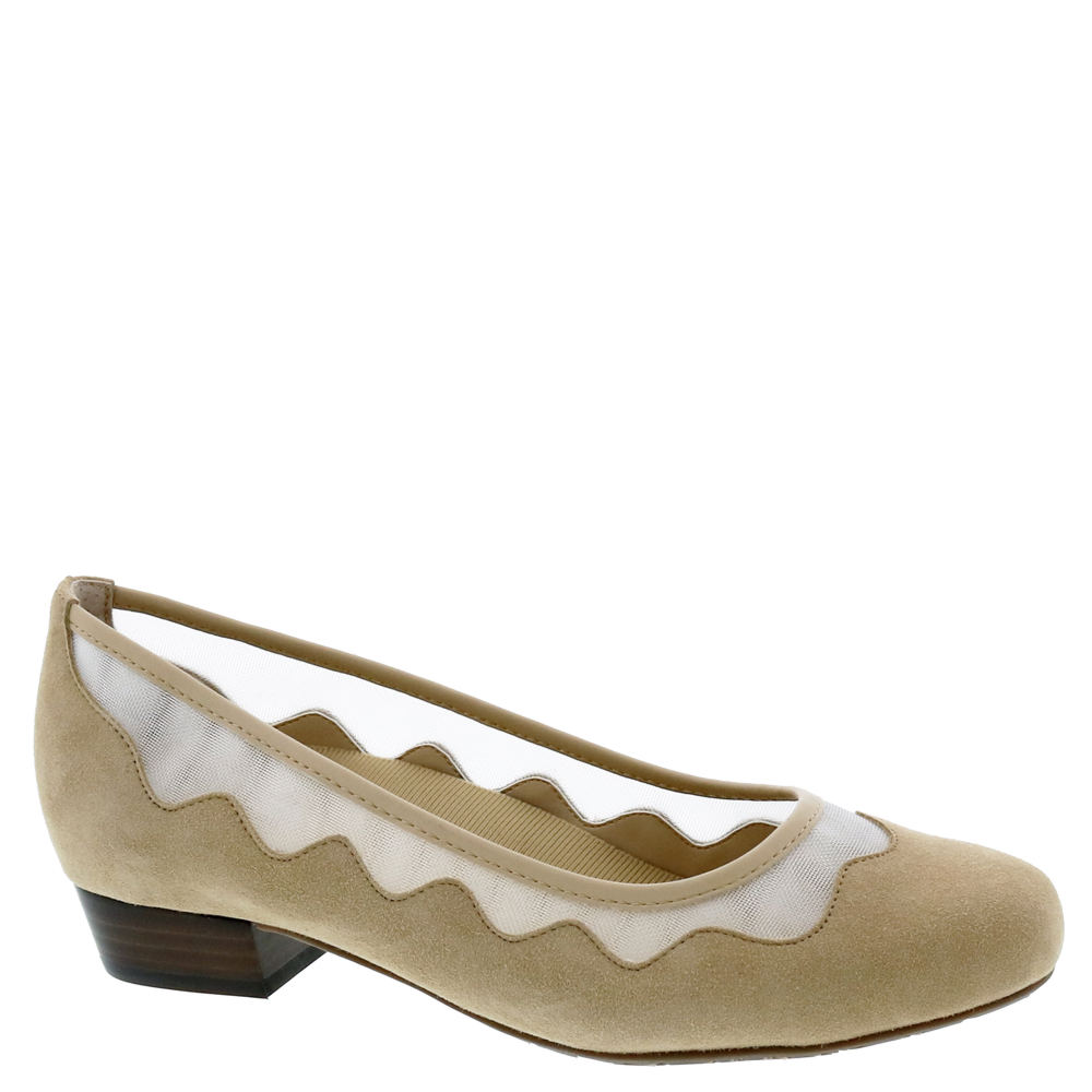 Retro Vintage Style Wide Shoes Ros Hommerson Tootsie Womens Tan Slip On 6 W2 $129.95 AT vintagedancer.com