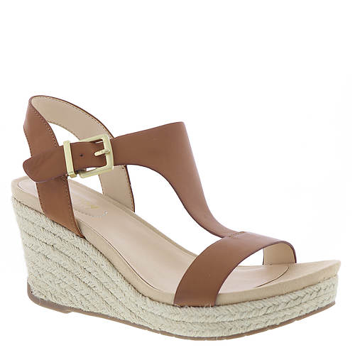 Kenneth Cole Reaction Card Wedge (Women's)