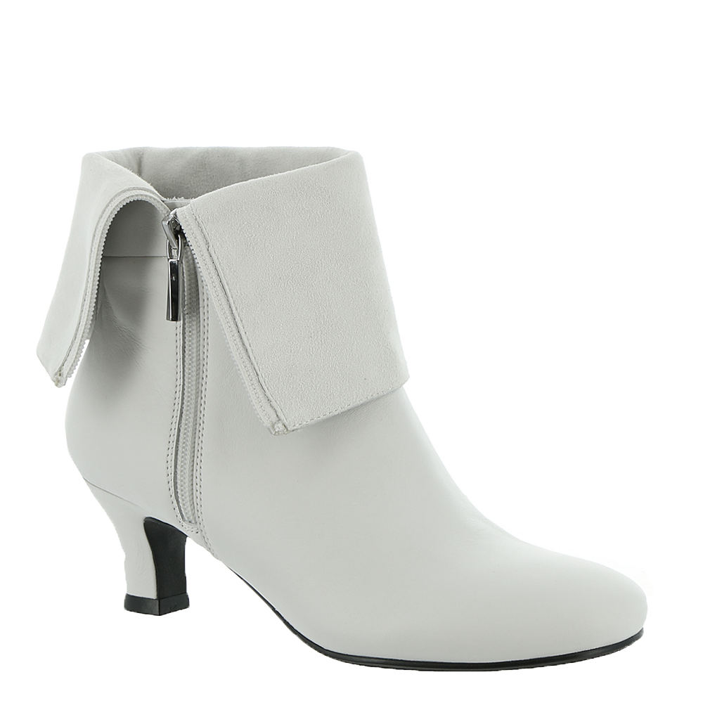 60s Shoes, Go Go Boots   1960s Shoes ARRAY Carley Womens White Boot 7 M $68.99 AT vintagedancer.com