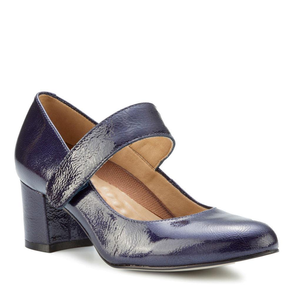 60s Shoes, Go Go Boots   1960s Shoes Walking Cradles Jackie 2 Womens Navy Pump 7 W $139.95 AT vintagedancer.com